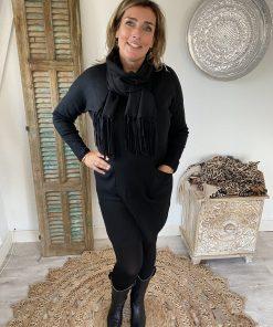 V-hals tuniek met bijpassende sjaal zwart