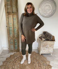 Lange trui met kol